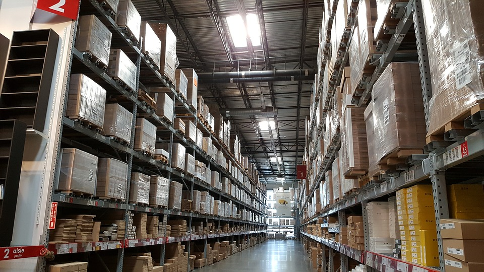 using self storage facilities to store inventory for small businesses